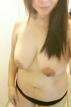 Big tits in Hong Kong – anon submission